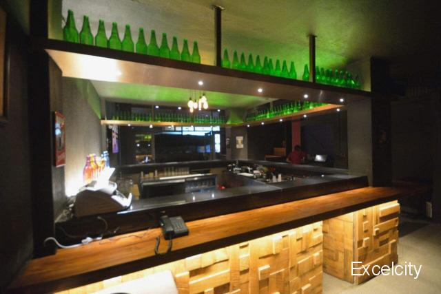 Hideout Bar & Kitchen
