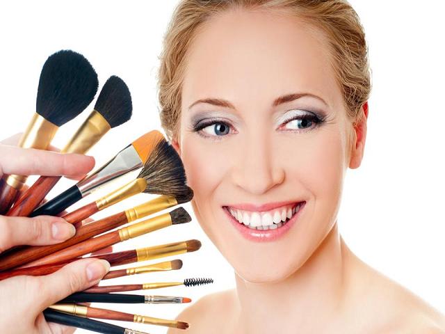 Lavnya Ladies Beauty Parlour