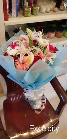 'Petals' The Flower Shop